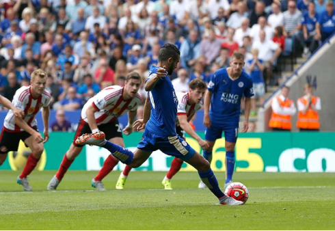 Riyad Mahrez scores his 2nd from the spot in the Foxes day 1 win